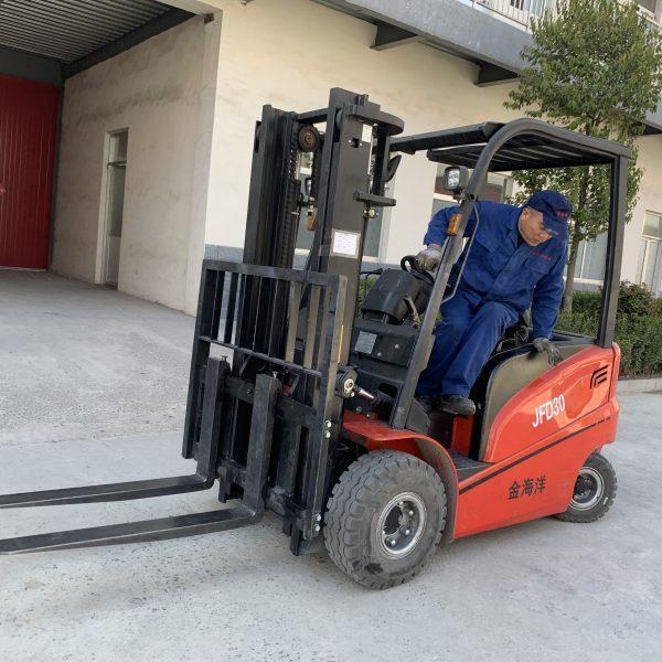 electric forklift trucks price